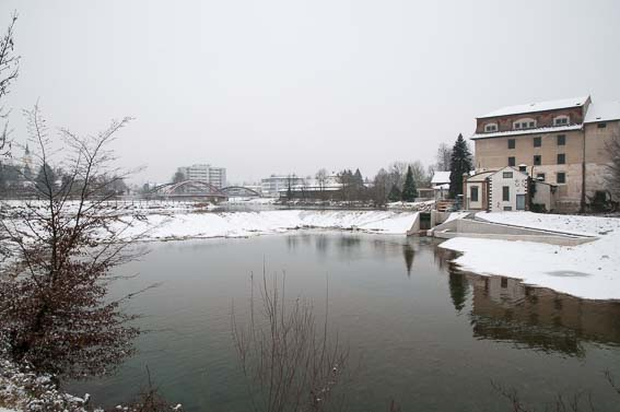 Unser Zielpunkt - das strömungsfreie Wasser des Überlaufbeckens